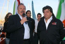 «Speed demo» à Portimao: Manuel de Luz, maire de Portimao et Tony Teixeira, président de l'A1GP