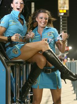 Очаровательные девушки Rizla Suzuki MotoGP