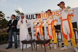 Nelson A. Piquet, Romain Grosjean et Adam Khan sur la scène