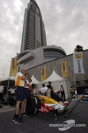 Romain Grosjean Renault F1 R28
