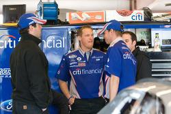 Citi Financial Ford crew members at work