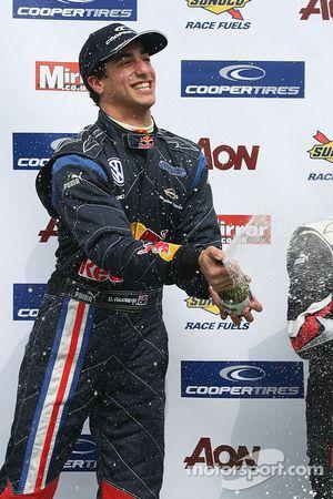 Podium : le vainqueur Daniel Ricciardo