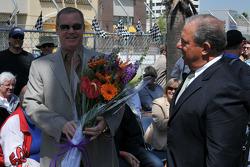 Al Unser Jr. recieves a bouquet of flowers