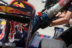 Mark Webber, Red Bull Racing, Nachtanken im Training