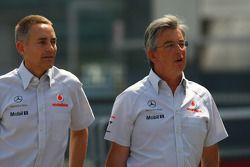 Martin Whitmarsh, McLaren, director ejecutivo, con Ekrem Sami, responsable de McLaren Marketing