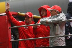 Felipe Massa, Scuderia Ferrari, Kimi Raikkonen, Scuderia Ferrari and Heikki Kovalainen, McLaren Merc