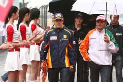 Fernando Alonso, Renault F1 Team and Giancarlo Fisichella, Force India F1 Team