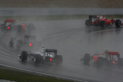 Start action behind the safety car