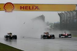 Accident of Sebastien Buemi, Scuderia Toro Rosso and Sebastian Vettel, Red Bull Racing, Jarno Trulli