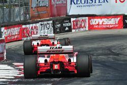 Helio Castroneves, Penske Racing suivi par Ryan Briscoe, Penske