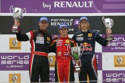 Podium: rookie of the race Sten Pentus