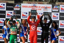 Podium: race winner Dario Franchitti, Target Chip Ganassi Racing, second place Will Power, Team Pens