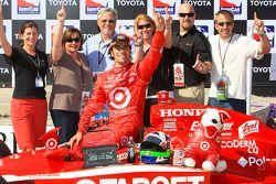 Victory lane: race winner Dario Franchitti, Target Chip Ganassi Racing celebrates