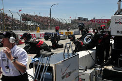 Will Power, Team Penske crew ready for pit action