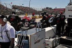 Will Power, Team Penske's pit crew in action