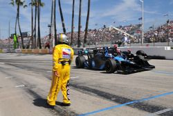 Danica Patrick, Andretti Green Racing races Will Power, Team Penske out of the pits