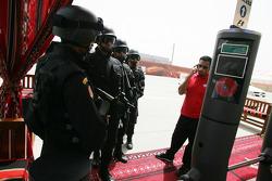 Security, padok entrance