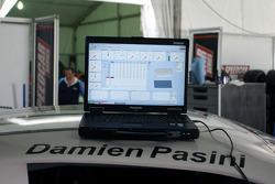Ordinateur affichant la télémétrie pour Damien Pasini, JMB