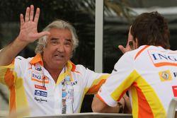 Flavio Briatore, directeur général de Renault F1 Team et Fernando Alonso