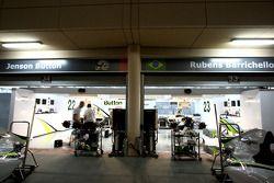 pitlane, night, garajı, Brawn GP