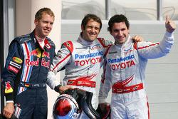 Обладатель поула Ярно Трулли, Toyota F1 Team. второе место – Тимо Глок, Toyota F1 Team, третье место – Себастьян Феттель, Red Bull Racing