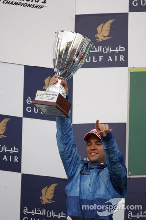 Podium: le deuxième Roldan Rodriguez, Piquet GP