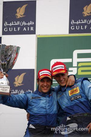 Podium: le vainqueur Diego Nunes, Piquet GP, le deuxième Roldan Rodriguez