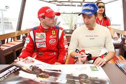 Thomas Biagi, Palm Beach et Heinz-Harald Frentzen, Team Lavaggi, signent des autographes pour les fa