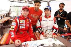 Thomas Biagi, Palm Beach et Heinz-Harald Frentzen, Team Lavaggi, signent des autographes pour les fans