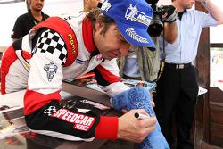 Heinz-Harald Frentzen, Team Lavaggi, signe des autographes pour les fans