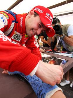 Thomas Biagi, Palm Beach, signe des autographes pour les fans