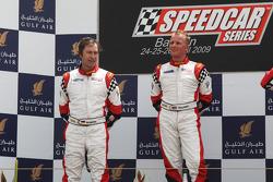Heinz-Harald Frentzen, Team Lavaggi, deuxième ; Johnny Herbert, JMB, vainqueur
