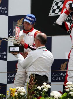 Heinz-Harald Frentzen, Team Lavaggi, fête sa deuxième place sur le podium