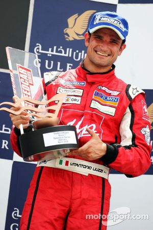 Vitantonio Liuzzi, UP Team, fête sa troisième place sur le podium