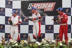 Heinz-Harald Frentzen, Team Lavaggi, deuxième; Johnny Herbert, JMB, vainqueur ; Vitantonio Liuzzi, U