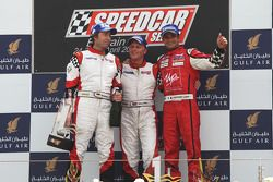 Heinz-Harald Frentzen Team Lavaggi, deuxième; Johnny Herbert, JMB, vainqueur; Vitantonio Liuzzi, UP