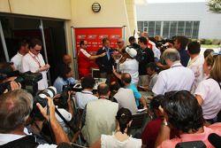 Luca di Montezemolo, Scuderia Ferrari, FIAT Yönetim Kurulu Başkanı ve Başkanı, Ferrari being intervi