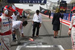 Работы на стартовой решетке у позиции Тимо Глока , Toyota F1 Team