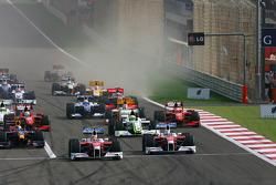 Старт: впереди Ярно Трулли и Тимо Глок, Toyota F1 Team