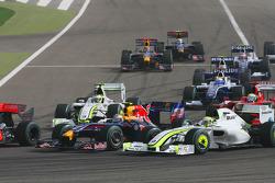 Start: Sebastian Vettel, Red Bull Racing ve Jenson Button, Brawn GP