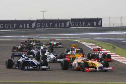 Start: Fernando Alonso, Renault F1 Team ve Nico Rosberg, Williams F1 Team