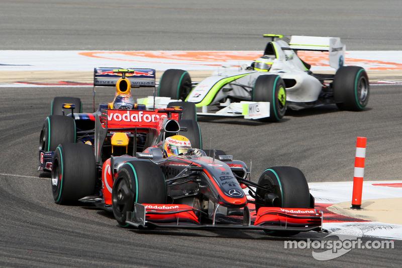 Да, именно так – в 2009 году в Формуле 1 можно было застрять позади действующего обладателя титула Льюиса Хэмилтона на серебристой машине с мотором Mercedes