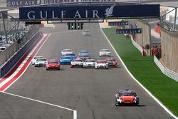 Jean Alesi, HPR, prend un net avantage après avoir volé le départ