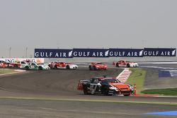 Jean Alesi, HPR, prend la tête après probablement le départ volé le plus flagrant de l'histoire du sport automobile!