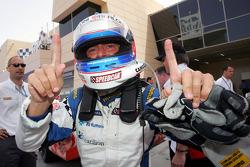 Le champion Gianni Morbidelli, Palm Beach, fête son titre dans le parc fermé