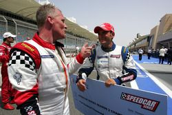 Johnny Herbert JMB félicite le champion des Speedcar Series Gianni Morbidelli, Palm Beach