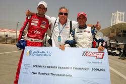 Le vainqueur Vitantonio Liuzzi, UP Team et le champion des Speedcar Series Gianni Morbidelli, Palm B