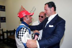 Le champion des Speedcar Series Gianni Morbidelli, Palm Beach avec Luciano Secchi, WIND Group
