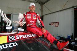 Le vainqueur Vitantonio Liuzzi, UP Team, célèbre