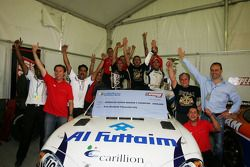 Gianni Morbidelli, Palm Beach, célèbre son succès au championnat avec son équipe